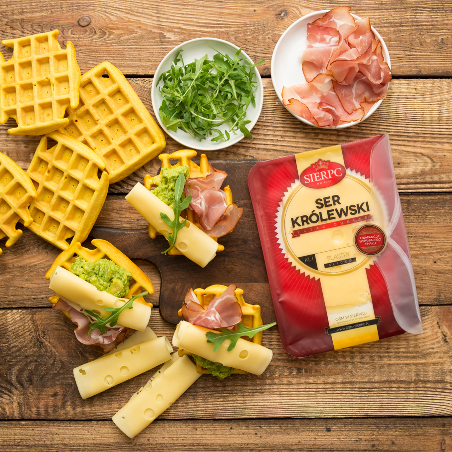 Sierpc – waffles with guacamole, parma ham and cheese